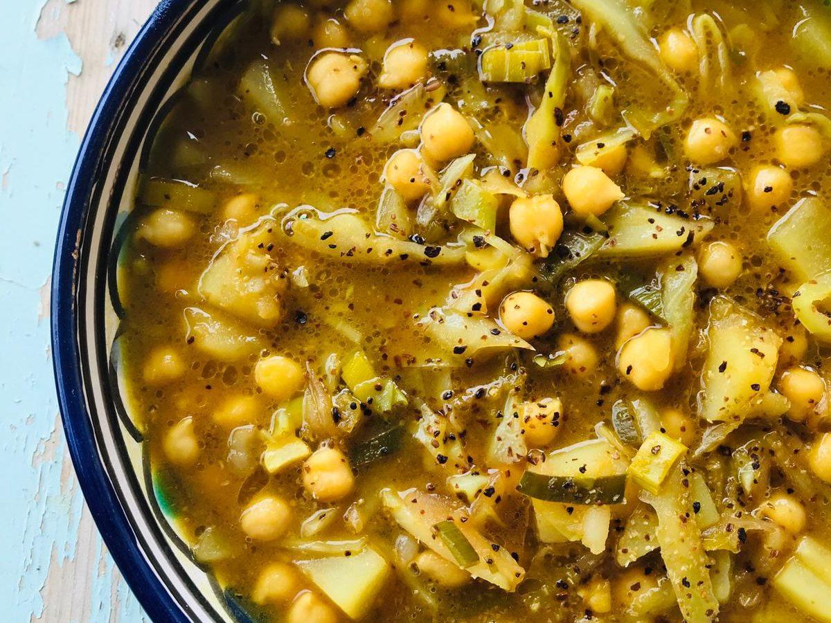 Zuppa invernale di ceci e patate